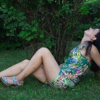 На траве :: Роман Мишур
