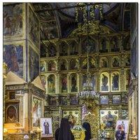 Служба в Тихвинском мужском монастыре :: Рамиль Хамзин