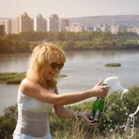 Шампанское... :: Кирилл Богомазов