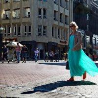 Дама в голубом... :: Alex S.