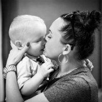 Любовь мамы залечит все... :: Anna Klaos