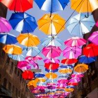 Зонтичная улица :: Tatyana Belova
