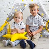 Два мальчика в палатке :: Valentina Zaytseva