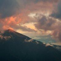 Закат в горах :: Денис Масленников