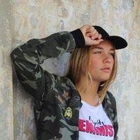 Прогулка по городу :: Юлия Сова
