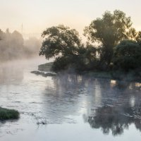 Утро на реке. :: Сергей Ключарёв