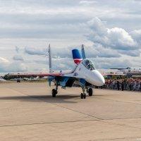 """""""Русские Витязи"""" на Су-30СМ приветствуют зрителей после воздушного показа. :: Павел Myth Буканов"""