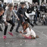 Дети на фестивале уличных артистов ШЛЯПА в Новосибирске :: @ fotovichka