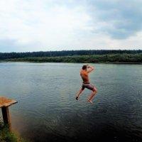 Прыжок в Мологу реку... :: Sergey Gordoff