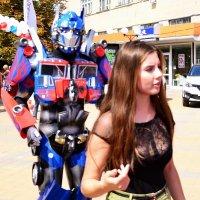 Барышня и робот :: Владимир Болдырев