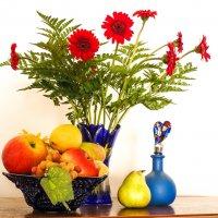 Цветы и фрукты на белом фоне :: Alla S.