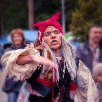 Танец Бабыёжки. Фото 3 :: Марк Э