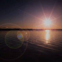 Восход на озере Белое :: Валерий Гудков