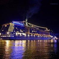 Blaue Nacht Hamburg. MSC Preziosa :: Nina Yudicheva