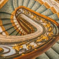 Лестница вниз, или может быть вверх.... :: Натали Пам