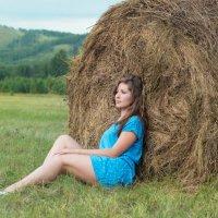 Девушка в поле :: Ольга Широковская