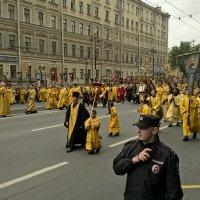 Крестный ход по Невскому День Александра Невского :: tipchik
