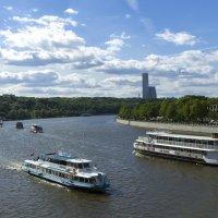 Воскресный день на Москве-реке :: Александр Лебедевъ