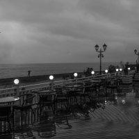 Пляж. Одиночество. :: Александр Валяев
