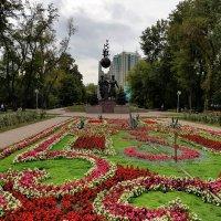 Где тот садовник неизвестный, что вырастил цветок прелестный.... :: Anna Gornostayeva