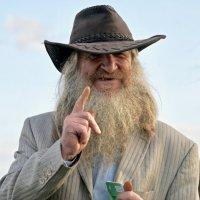 Старик в шляпе :: Svetlana Shalatonova