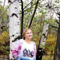 девушка в лесу :: Светлана Бурлина
