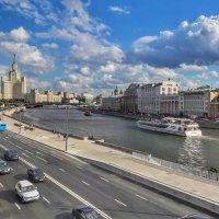 Картина с нового моста. :: Ирина Крохмаль
