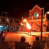 Танец с огнем :: Alexander Dementev