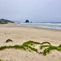 Cannon Beach & Haystack Rock :: Сергей Рычков