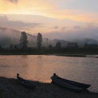 И душа обретает покой, вспоминая рассвет над рекой :: Нина северянка