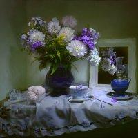 ...Цветок из свиты королевской... :: Валентина Колова