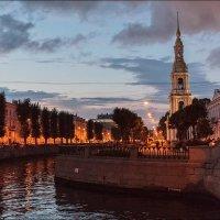 Прогулки вечером...Колокольня Николо-Богоявленского собора :: Валентин Яруллин