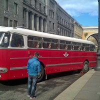 Старый автобус :: Сергей