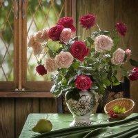 Сентябрьские розы :: Ирина Приходько