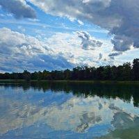 Сентябрь на озере... :: Galina Dzubina
