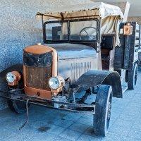 Ретро-грузовик времен Великой Отечественной войны :: Юрий Яловенко
