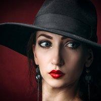девушка в шляпке :: Vitaliy Mytnik