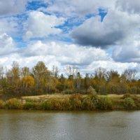 осень на реке :: Николай Мальцев