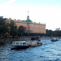 Санкт-Петербург. Фонтанка и Михайловский замок. :: Лариса (Phinikia) Двойникова
