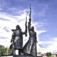 Памятник революционерам :: Марина Кириллова