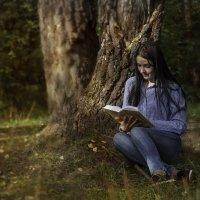 Иришка с книжкой :: Anna Fill