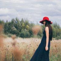 красная шляпа :: Татьяна