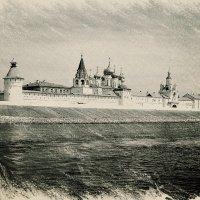 Вид на Макарьевский монастырь с Волги :: Андрей Головкин