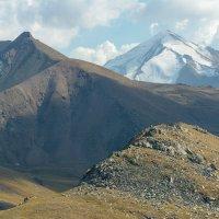 Обзор горных вершин :: Горный турист Иван Иванов