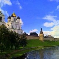 Псковский Кремль, река Пскова :: Марина Домосилецкая