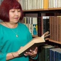 В библиотеке :: Дмитрий Сиялов