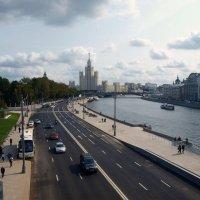 Вид с парка Зарядье. :: Владимир Драгунский