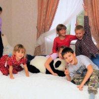 Пока родители празднуют... :: Исаков Александр