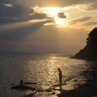 вечером на пляже :: Константин Трапезников