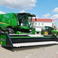 И тракторы нужны нам и комбайны :: Александр Бурилов